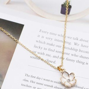 3/$20 New Gold & White Flower Necklace